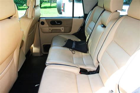 tan land rover discovery land rover discovery 2004 interior www imgkid com the