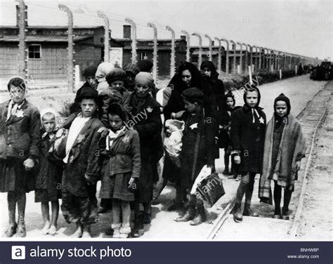 world war ii auschwitz a history from beginning to end books world war ii auschwitz birkenau concentration c