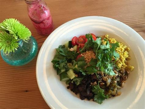 Bounty Kitchen Detox Salad by Delicious Salad And Juice