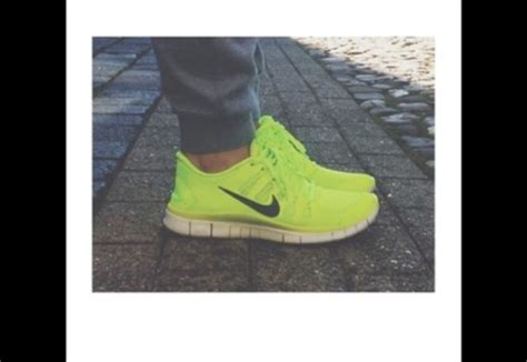 neon yellow nike running shoes shoes nike neon yellow shoes nike running shoes