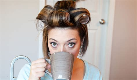 how to put rollersin extra short hair 3 sassy holiday party looks for short hair