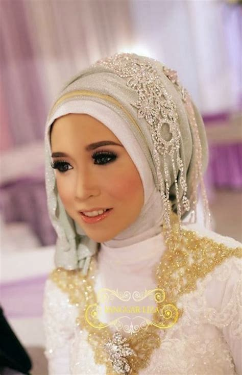 Busana Muslim Gamis Zahira Set model jilbab pengantin warna pink model dress kebaya
