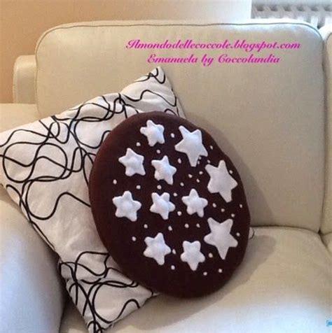 cuscini forma di biscotto cuscino goloso a forma di biscotto pan di stelle