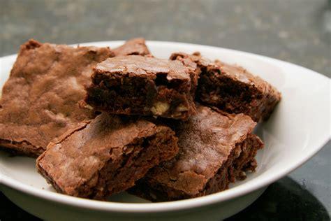 Coklat Brownies 1 easy chocolate saucepan brownies