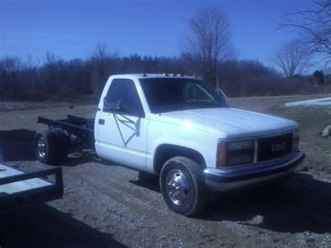 purchase used 1997 gmc 3500 dually 5 speed manual vortec v 8 no rust 128 000 miles in lufkin