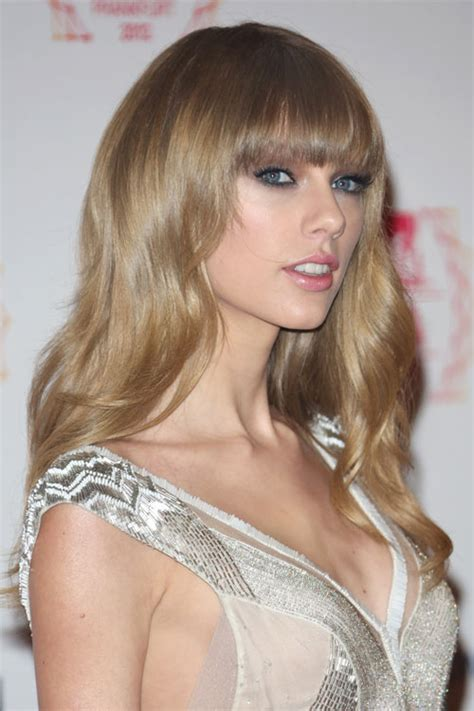 what colours does taylor swift use for ash blonde hair taylor swift hair steal her style