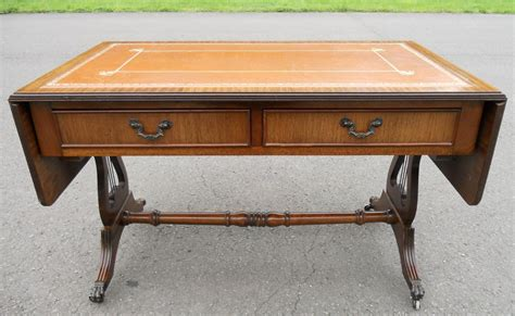 Leather Top Coffee Table Vintage Leather Top Coffee Table 83 1950 S Vintage Leather Top Coffee Table 1314761 8849