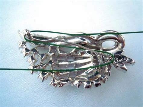Wedding Bouquet Made Into Jewelry by How To Make A Brooch Bridal Bouquet How Tos Diy