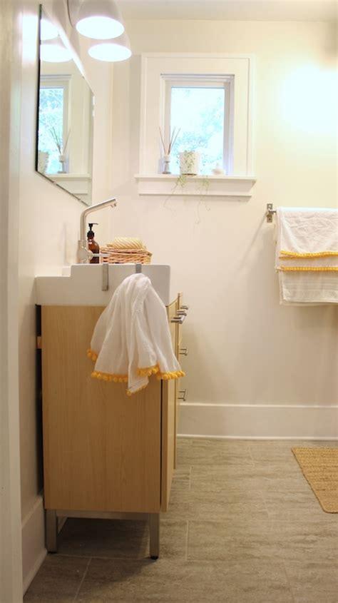 Pompom Trim Towel pom pom trim towels for the bathroom merrypad