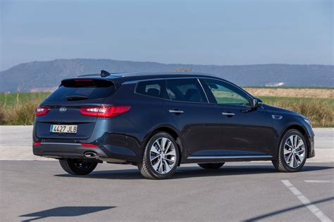 Kia Wagon Kia S Optima Just Got A Looking Station Wagon Model