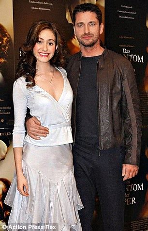 emmy rossum gerard butler gerard butler says he can t find the right girl daily
