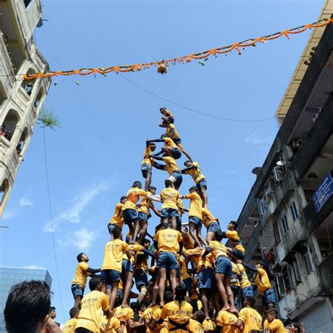 Crazy Houses 1 killed in dahi handi celebrations in mumbai even after