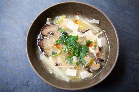chinese hot  sour soup simplyrecipescom