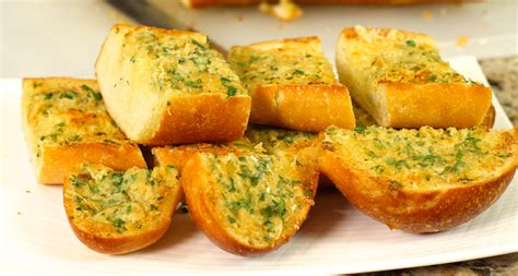garlic bead the ultimate garlic bread with roasted garlic by rockin