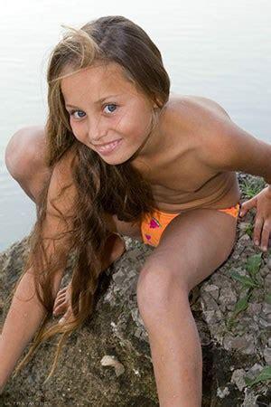 Emmie Nude Model Photo Sexy Girls