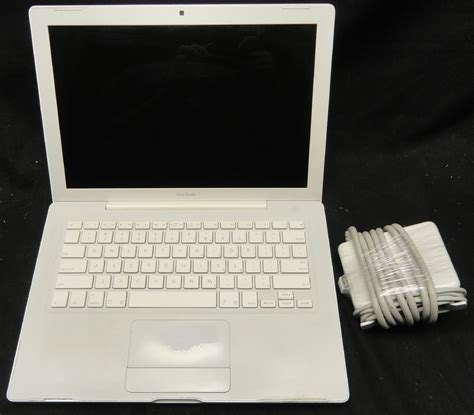 Laptop Apple Model A1181 apple macbook a1181 late 2006 13 quot laptop 2 0ghz 2