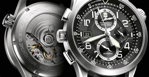 Jam Tangan Pria Original Swiss Army Victorinox 241719 1 Inox 10 jam tangan pria original swiss army yang cocok untuk