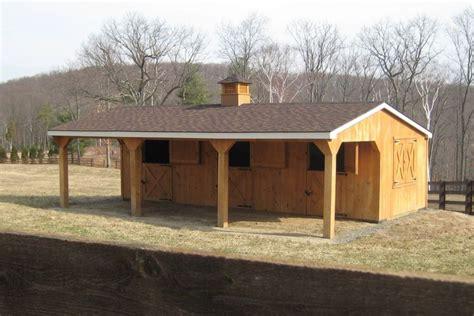 horsebarns beam horse barns run  shed row horse