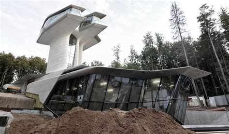 zaha hadid home zaha hadid designs spaceship house for naomi cbell