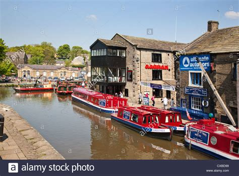 boats england canal boat uk town stock photos canal boat uk town stock