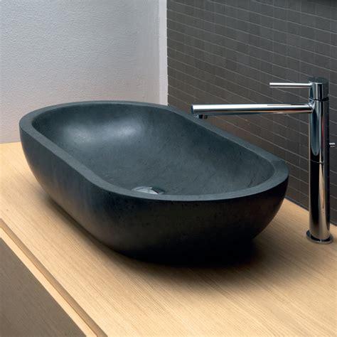 lavabo nero bagno lavabo da appoggio ovale in basalto nero per bagno riau