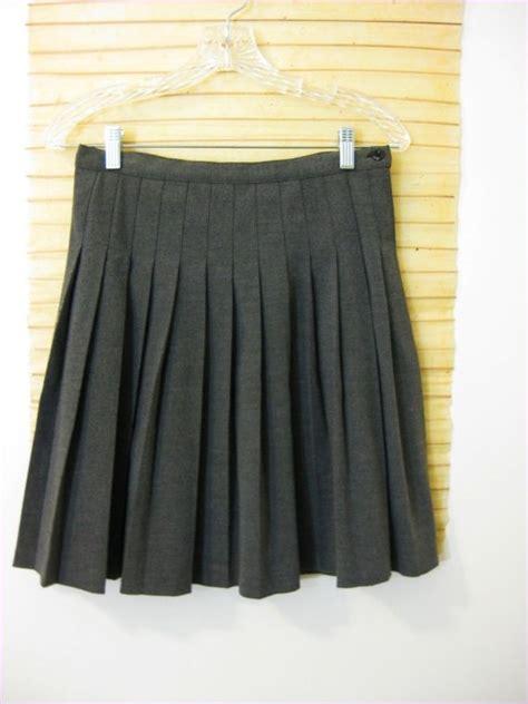 pleated gray skirt small to medium