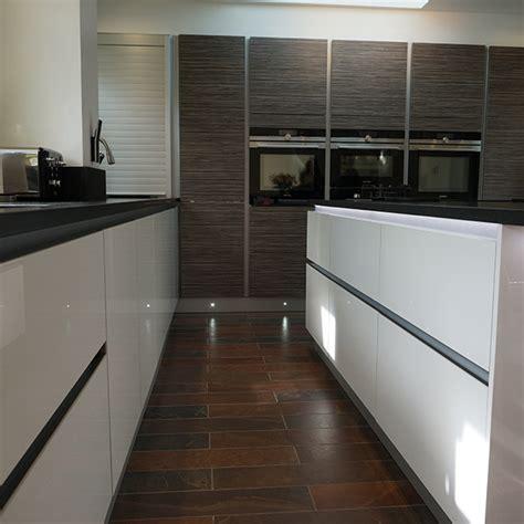 lumina white    zebrano mocha real kitchens