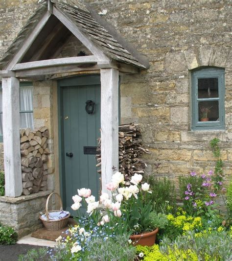 country cottages best 25 cottage front doors ideas on cottage