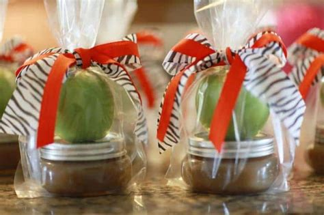 Apple For Baby Shower Favors by Delicious Wedding Shower Favors For Fall Apple Caramel