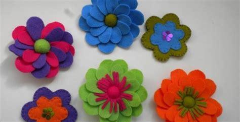come fare i fiori di pannolenci pannolenci creazioni fiori e abbigliamento roba da donne