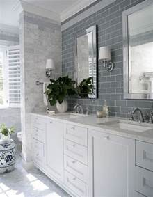 Tile Combinations For Small Bathrooms Interior Design Ideas Home Bunch Interior Design Ideas