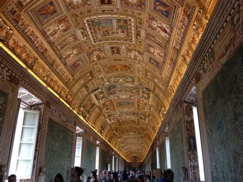 vatican museum ceilings credit