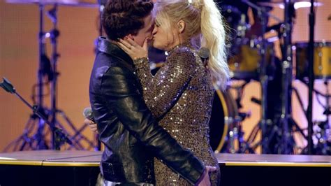 charlie puth kiss me charlie puth on ama kiss with meghan trainor oh no they