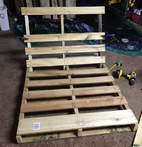 how to make a swing out of pallets how to make a diy tree swing out of an old pallet sf