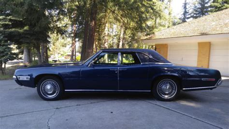 ford thunderbird  suicide doors powerful luxurious   great cruiser  sale ford