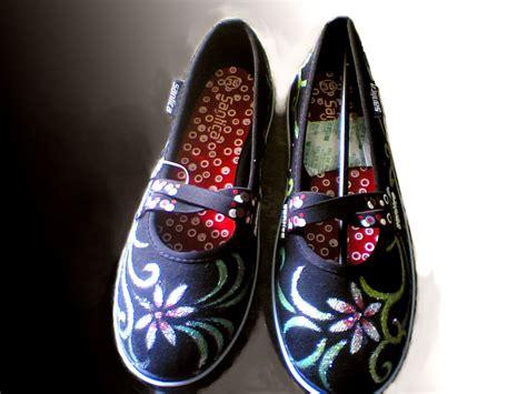 Sepatu Cewe Motif sepatu lukis cewek karya seni sepatu lukis