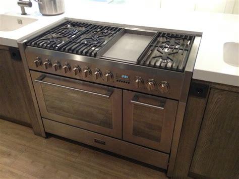 m style fornuis een flink fornuis atag 2 ovens en een wokbrander