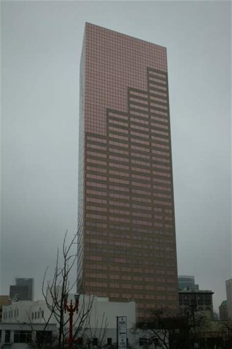 us bank tower portland big pink a k a us bank tower portland oregon