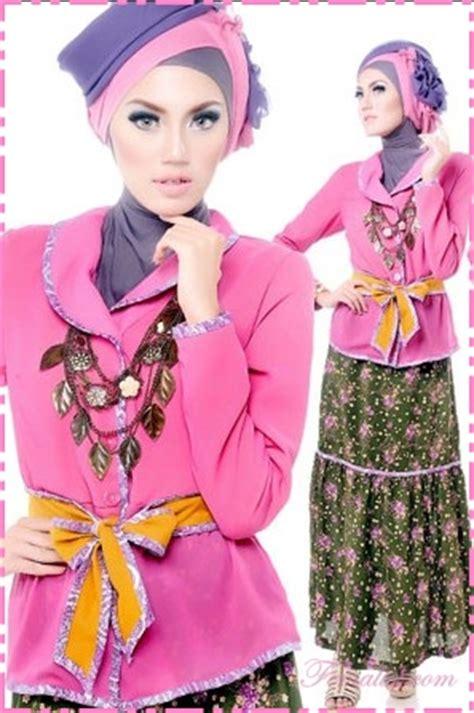 Dress Atasan Polos Rok Bunga tips padu padan busana muslim modern terbaru
