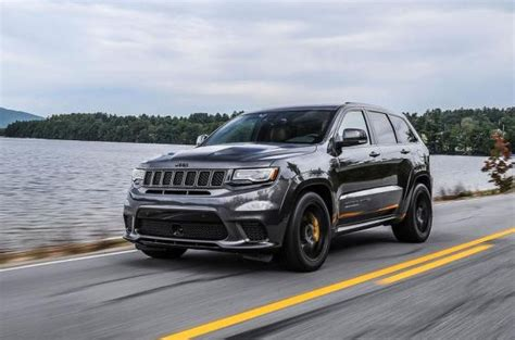 jeep hawk track driven jeep grand cherokee trackhawk 2018 the independent