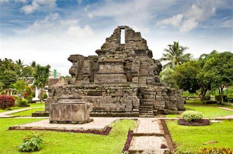 Kisah si tampan Arjuna di Candi Jago Malang