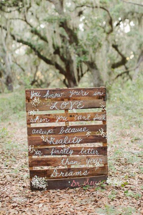 Pallet Wedding Decor 10 Diy Pallet Sign Ideas For Wedding 99 Pallets