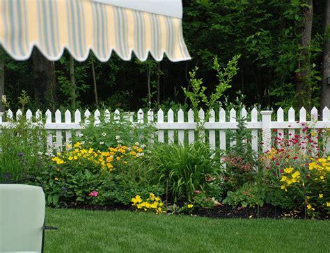 Picket Fence Garden Ideas Fence It Garden Walk Garden Talk