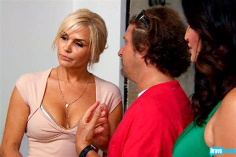 the necklace yolanda form real housewives of beverly hills wears yolanda foster how she does her hair hairstyle gallery