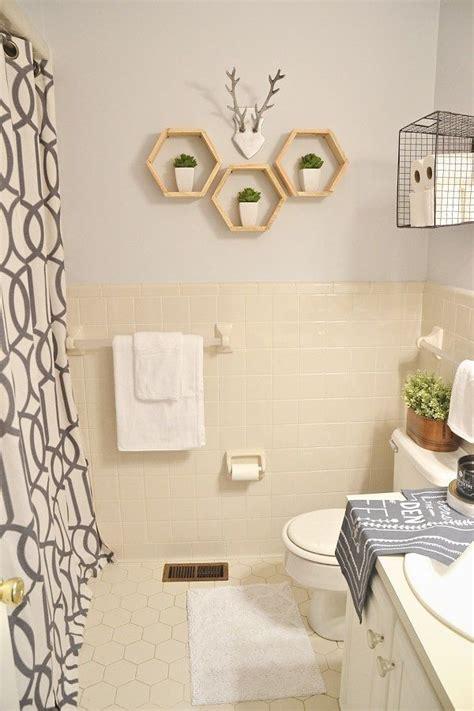 rental bathroom makeover lmb rental bathroom makeover pt 4 final reveal