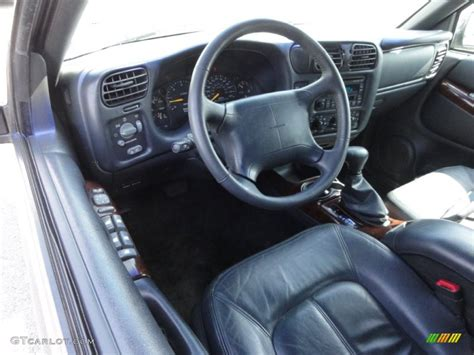 Oldsmobile Bravada Interior by Graphite Interior 1998 Oldsmobile Bravada Awd Photo