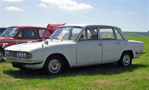 triumph 2000 defining the file 1971 triumph 2000 sedan front 3q recrop jpg wikimedia commons