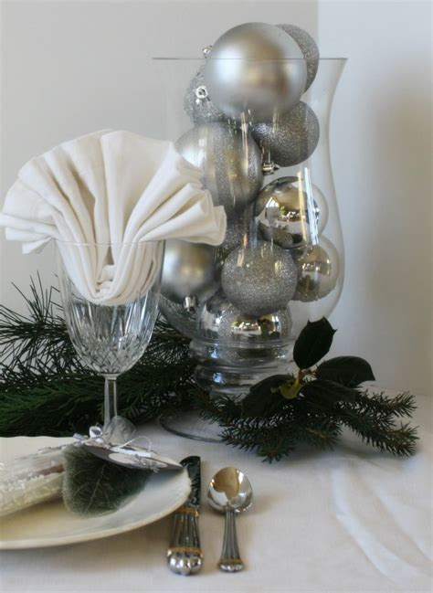 table noel blanc decoration de noel blanc et argent
