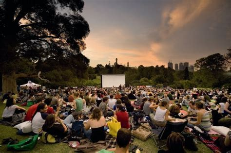 Sunset Cinema Botanic Gardens Moonlight Cinema 2013 2014 Royal Botanic Gardens Melbourne By Emily