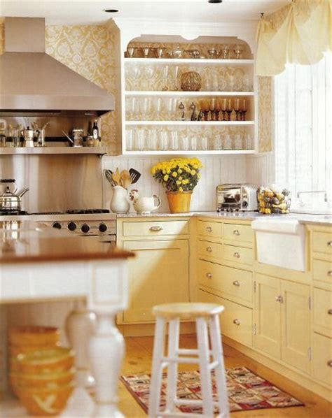 yellow and white kitchen cabinets best 25 yellow cabinets ideas on yellow